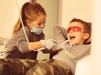 Часто задаваемые вопросы про лечение молочных зубов у детей